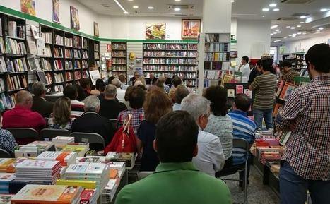 Más de medio centenar de personas en la presentación de 'Descubriendo a Juan Asensio'